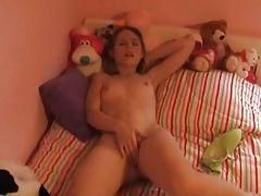 xhamster Teen masturbating