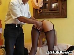 Amateur girlfriend gets toyed...