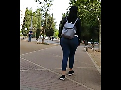 What is the best ass? - Candid...