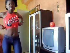 DOMINICAN SKINNY TEEN DANCING PEPE