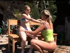 Teens Kate and Tanya toy cunts...